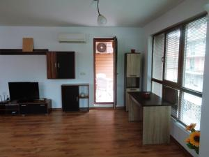 Ganz Real Estate Sarafovo 1