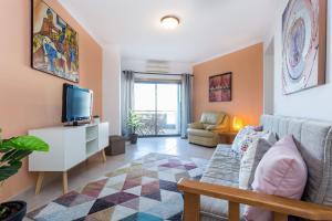 Central Lagos Apartment, 8600-680 Lagos