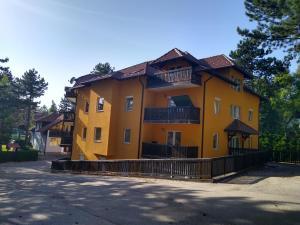 Apartmani Tofilovic Zlatibor Serbia J2ski