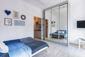 SleepWithUs Emilii Plater 12 Apartment