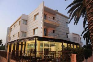 . Hotel Cafe Verdi