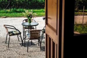 Domki i Pokoje Gościnne Na Wyskówkach