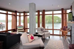 obrázek - Wharf Watch at Whiskey Landing - Waterfront Studio