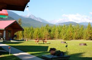 Twin Peaks Resort - Accommodation - Valemount