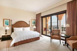Shangri-La Hotel Qaryat Al Beri (16 of 66)