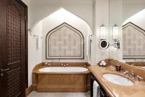 Shangri-La Hotel Qaryat Al Beri (6 of 66)
