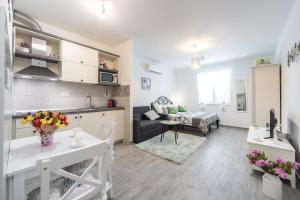 New Studio Apartment Teba