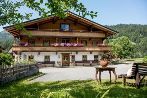 Bauernhof Sojerhof - Hotel - Söll