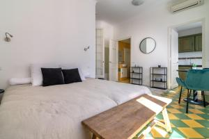 La Guitare 21 - Cozy studio in center of Cannes, just behind Grand Hotel, Apartmány  Cannes - big - 3