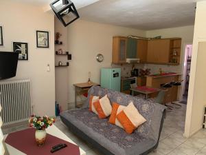 Spacious one bedroom apartment (ground floor)