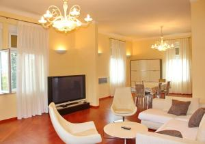 Penthouse Ivana