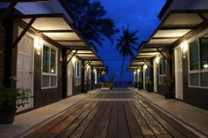 Baantalaywhan Resort - Thap Sakae