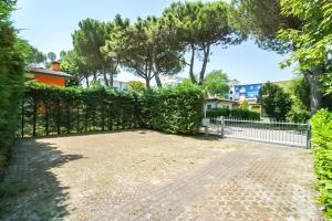 Villa Girasole, Apartments  Bibione - big - 18