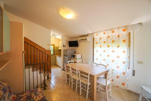 Villa Girasole, Apartments  Bibione - big - 38