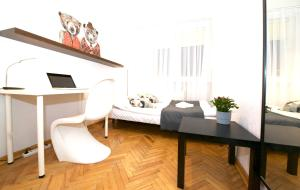 R3 Apartroom
