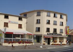 . Hôtel de la Mère Michelet
