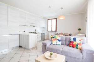 Bright Apartments Sirmione - Sorgente Pool - AbcAlberghi.com