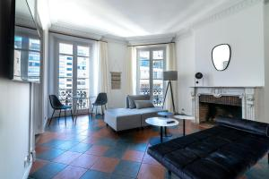 La Guitare 33 - Nice and spacious 1BR apartment in center of Cannes, right behind Grand Hotel, Apartmanok  Cannes - big - 14