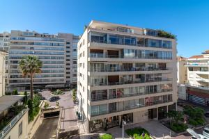 La Guitare 33 - Nice and spacious 1BR apartment in center of Cannes, right behind Grand Hotel, Apartmanok  Cannes - big - 13
