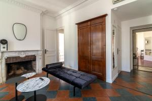 La Guitare 33 - Nice and spacious 1BR apartment in center of Cannes, right behind Grand Hotel, Apartmanok  Cannes - big - 11