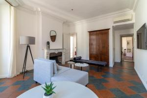 La Guitare 33 - Nice and spacious 1BR apartment in center of Cannes, right behind Grand Hotel, Apartmanok  Cannes - big - 10
