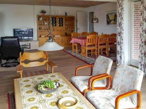 ThreeBedroom Holiday home in Harboøre 9