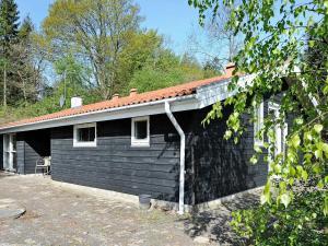 Four-Bedroom Holiday home in Børkop 4, Prázdninové domy - Egeskov