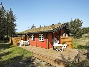 Two-Bedroom Holiday home in Løkken 9