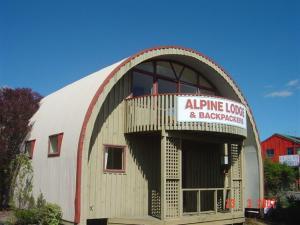 Alpine Backpackers Lodge