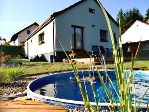 Namas Holiday House Pod hájem Hostinné Čekija