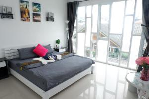New cozy townhouse great location in Nimman