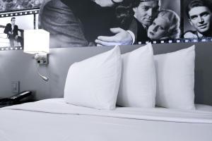 Glen Capri Inn and Suites - Burbank Universal
