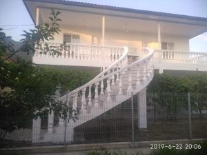 Briz Guesthouse, Гагра