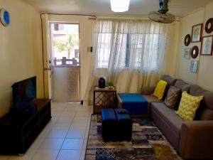 . Cheapest/Cleanest/Fully Air-conditioned House w/ Pure Fibre HighSpeed Internet