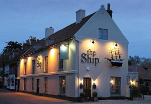 The Ship Hotel (2 of 45)