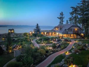Kingfisher Oceanside Resort & Spa (1 of 45)