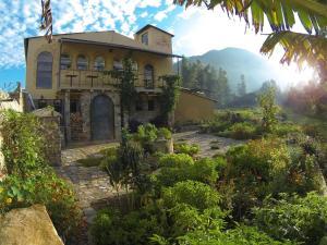 IntiRumi Inn