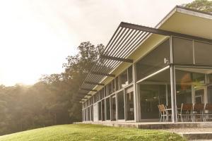 Bundaleer - Architect designed, stunning views!
