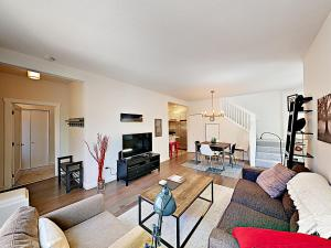 . 1124 14th Ave Townhome Townhouse