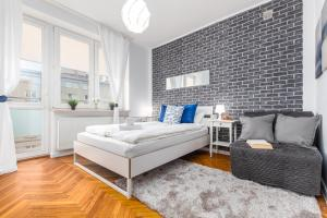 Apartments Madelaine Warsaw by Renters
