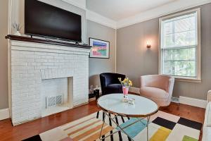 obrázek - Designer House 5BR! Steps to Downtown/Fountain Sq!