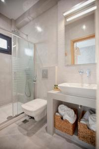 Comfort Triple Room with Shower Oikia guesthouse