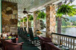 Lake Pointe Inn - Accommodation - McHenry