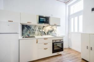 LUXURY Full renovated flat in the heart of dowtown