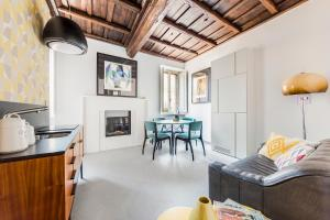 Monti Apartment in Medieval Building - abcRoma.com