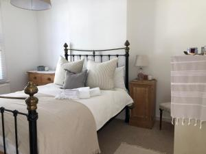 . Beautiful one bedroom flat in central Chichester