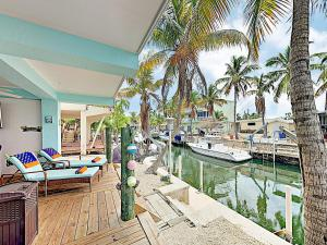 obrázek - New Listing! Canal-Front Getaway: Dock, Boat Ramp Home