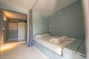 Kymothoi Rooms & Pool Bar Andros Greece
