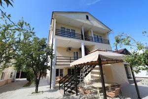 Гостевой дом Розалин, Гудаута