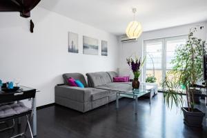 Apartments Wrocław Manganowa by Renters